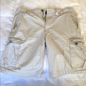 Other - Men's white cargo shorts from Banana Republic